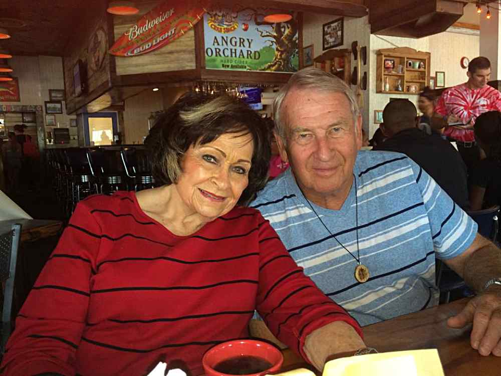Leota and Dick at Joe's Crab Shack in Branson, Missouri. Looks like they are having a wonderful time.
