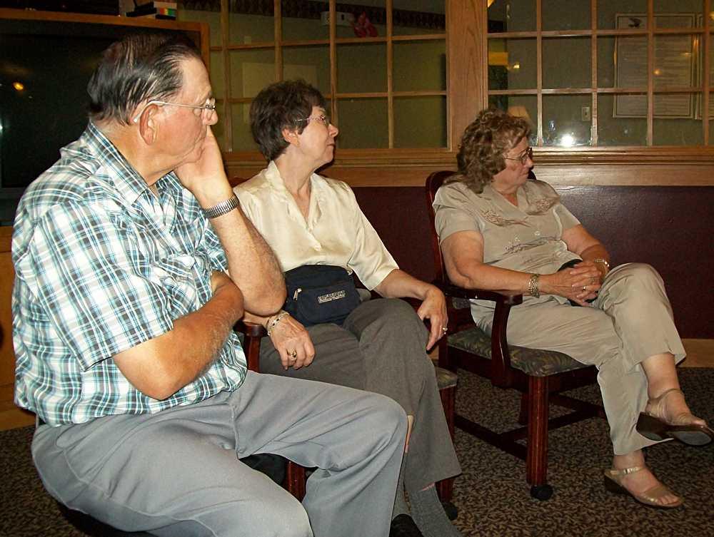 Barbara Phillips between Don & Charlene Davis.